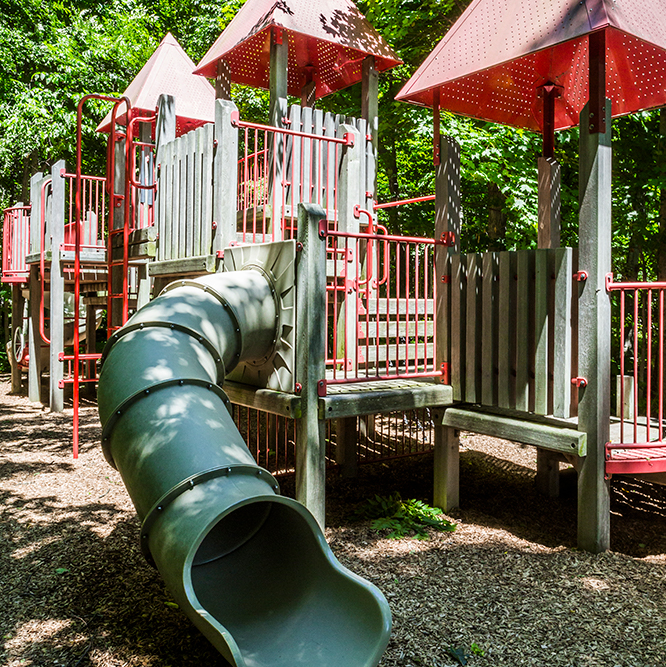playground at Lawrence Inlow Park