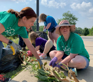 Gigi's Playhouse volunteers at Founders Park